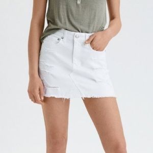 NWT American Eagle White Distressed Denim Skirt